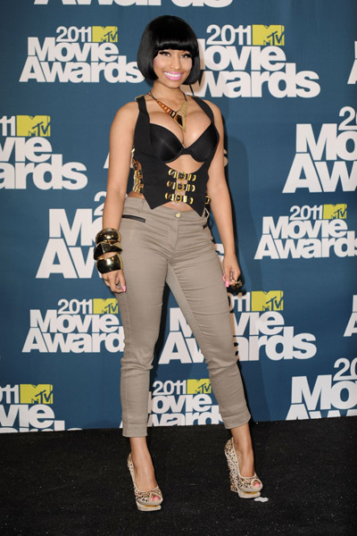 nicki minaj 2011 mtv movie awards. Nikki Minaj…word just fail me,
